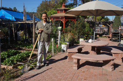 Meet David De La Torre and the Jardin del Rio Community Garden
